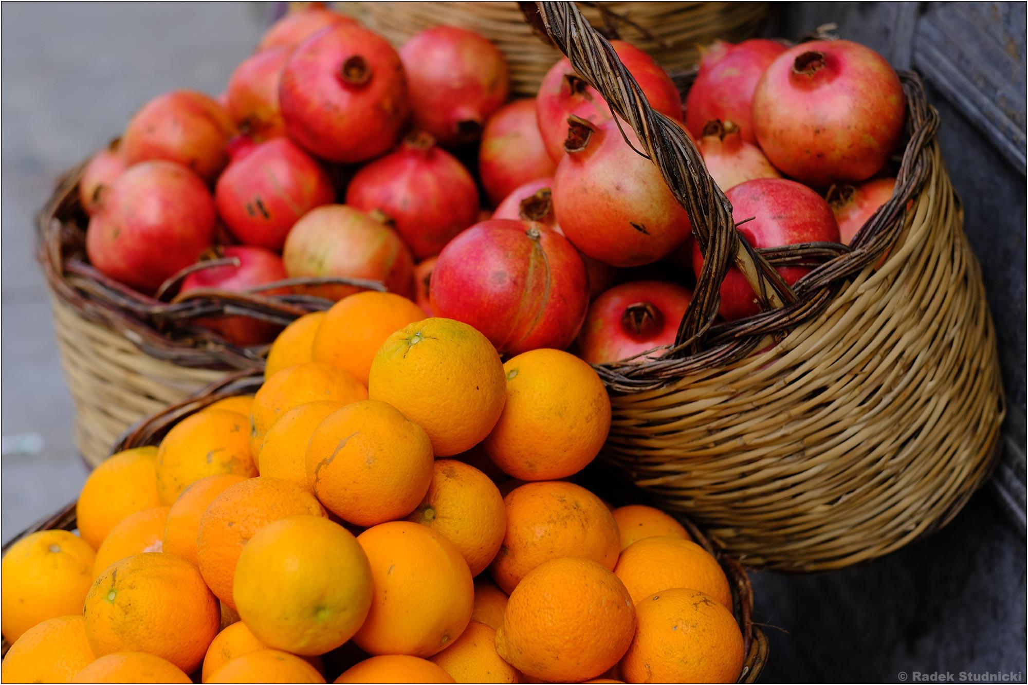 Sycylijskie pomarańcze i granaty