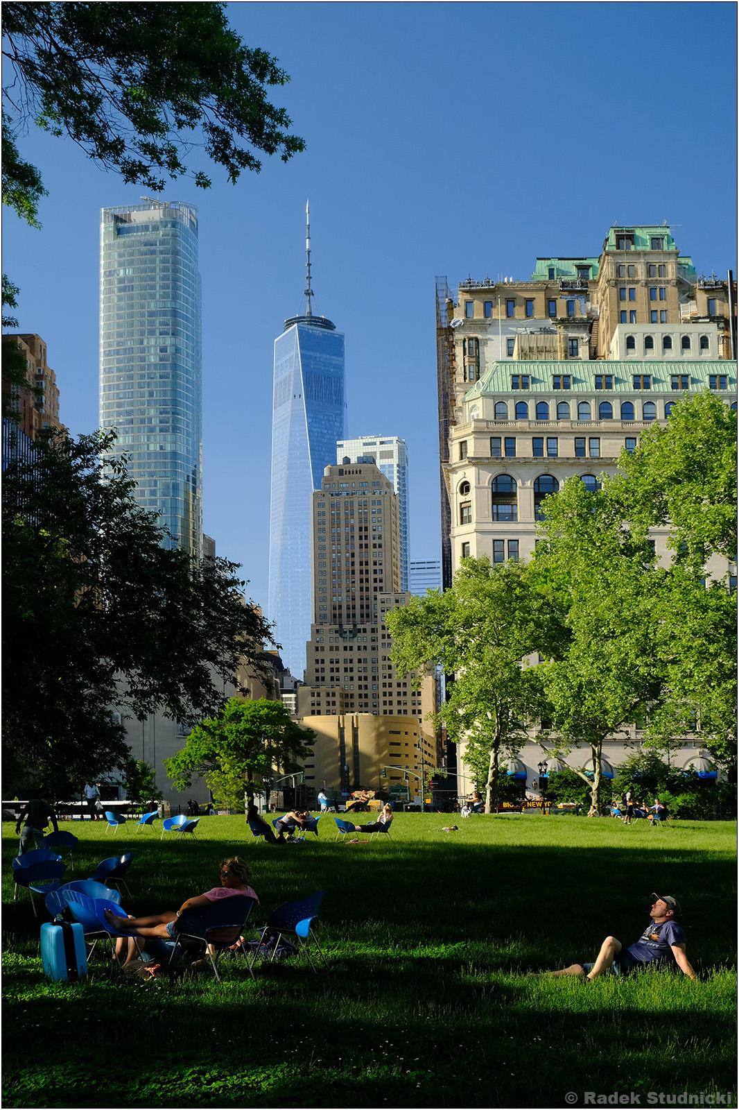 Battery Park i One World Trade Center