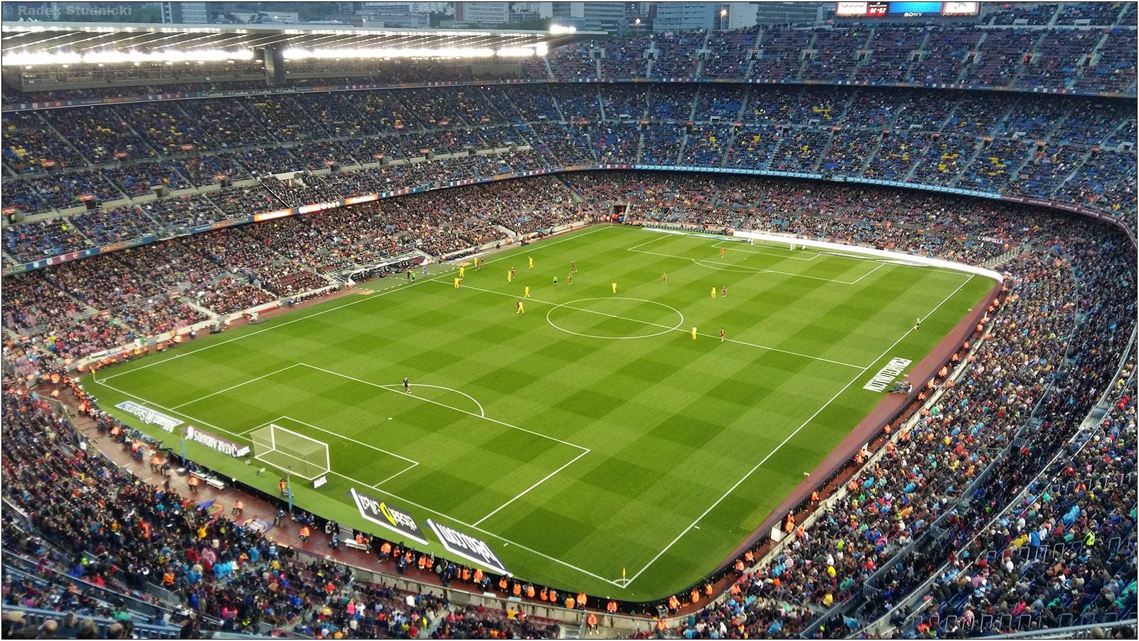 Mecz FC Barcelona na Camp Nou