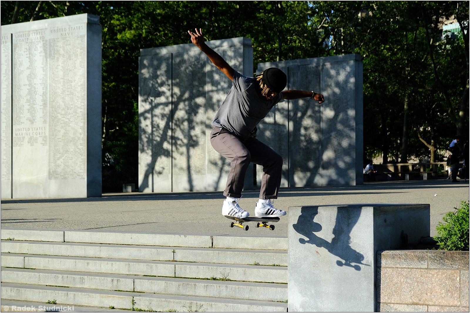 Skater w Battery Park City