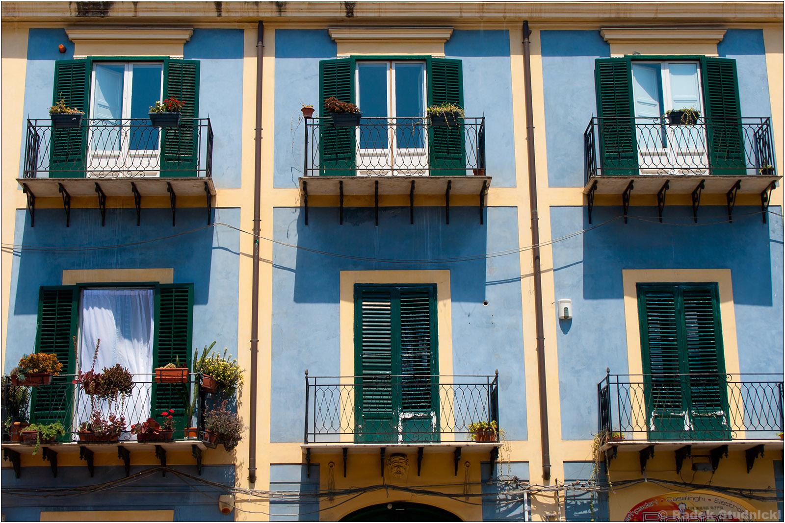 Kolorowe budynki Palermo