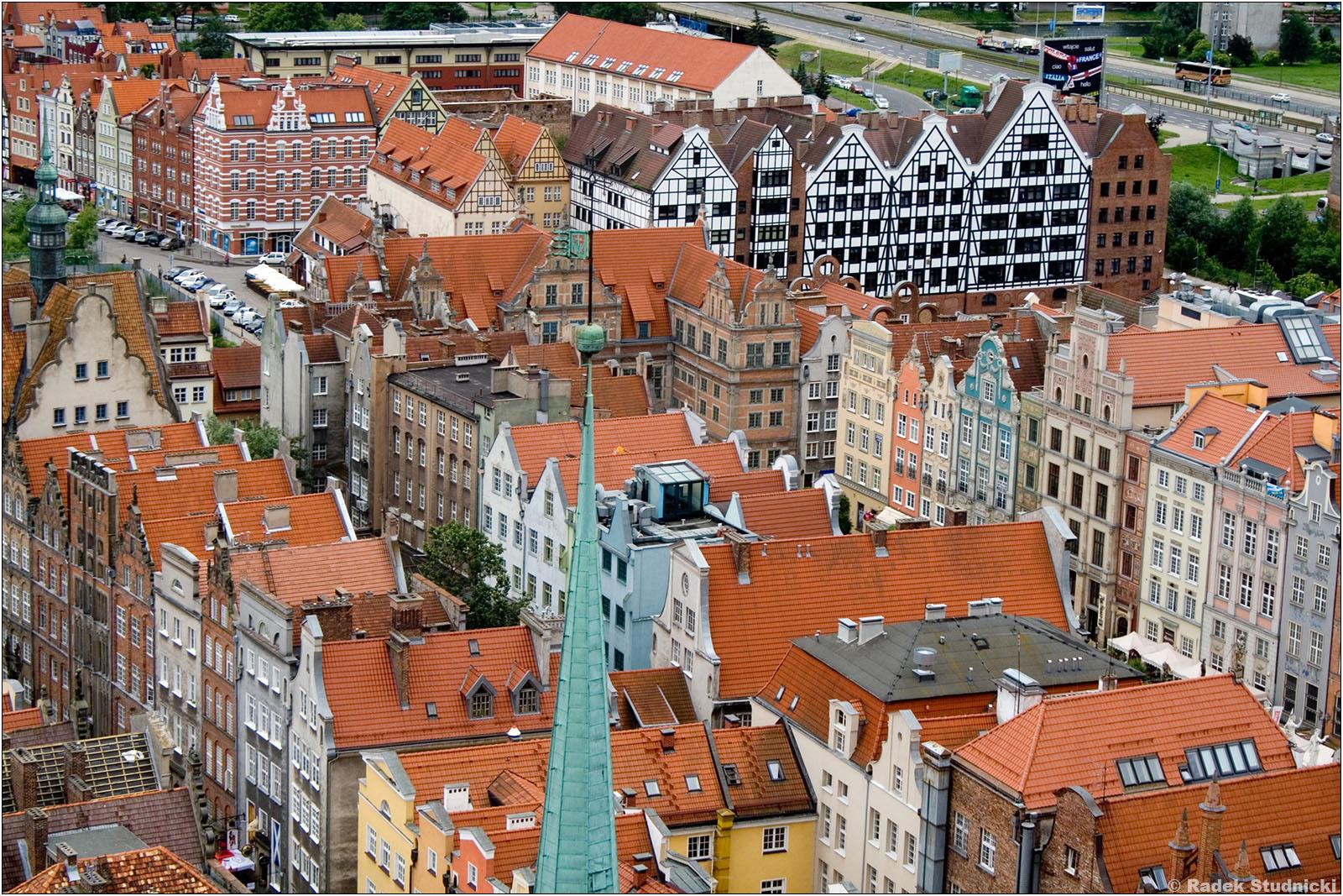 Widok z bazyliki Mariackiej na Gdańsk