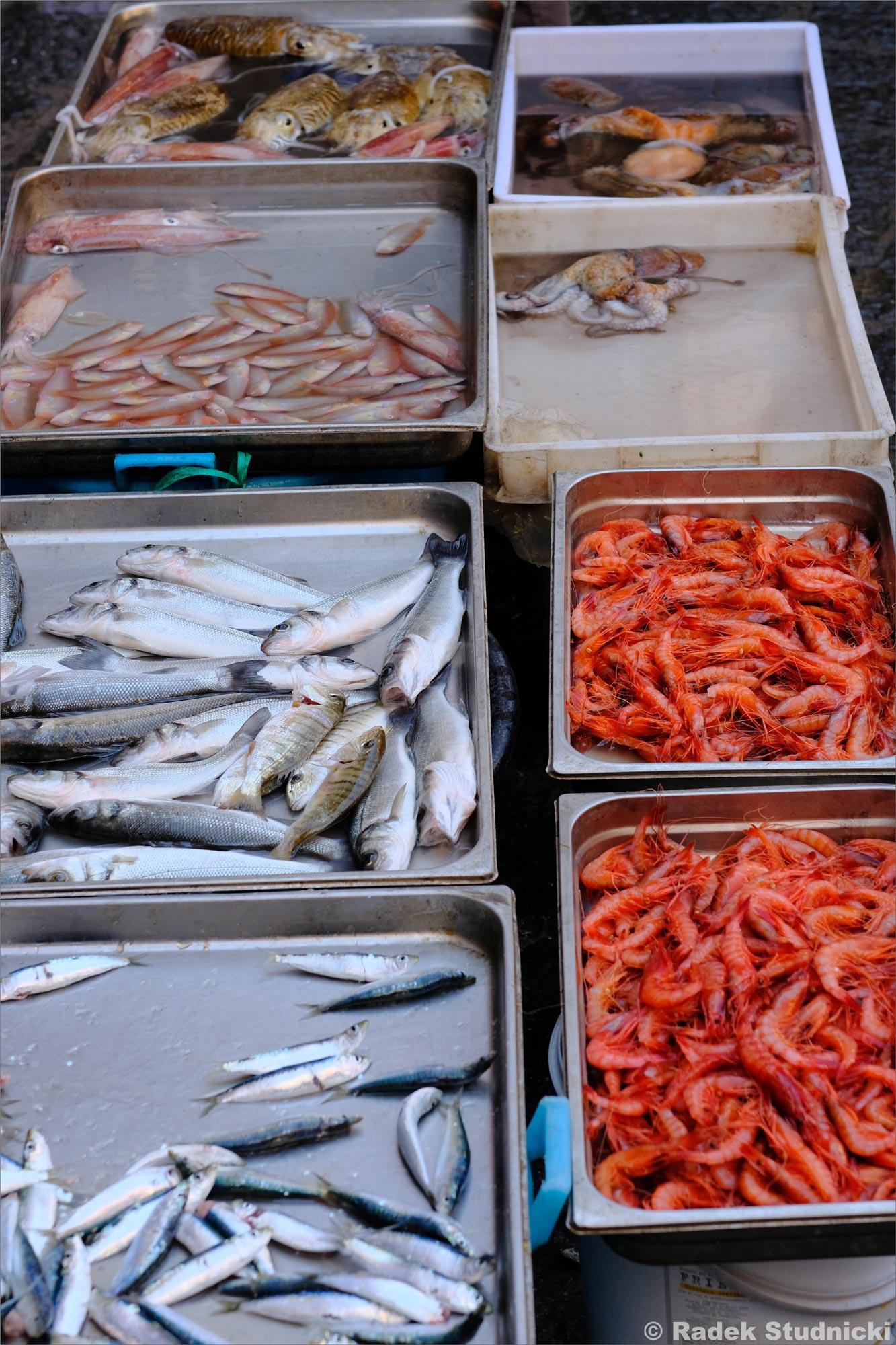 Ryby i owoce morza na targu