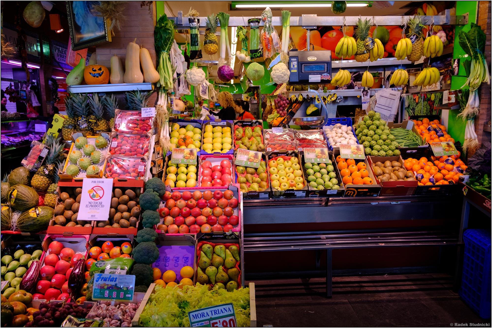 Targ owocowy w Sewilli