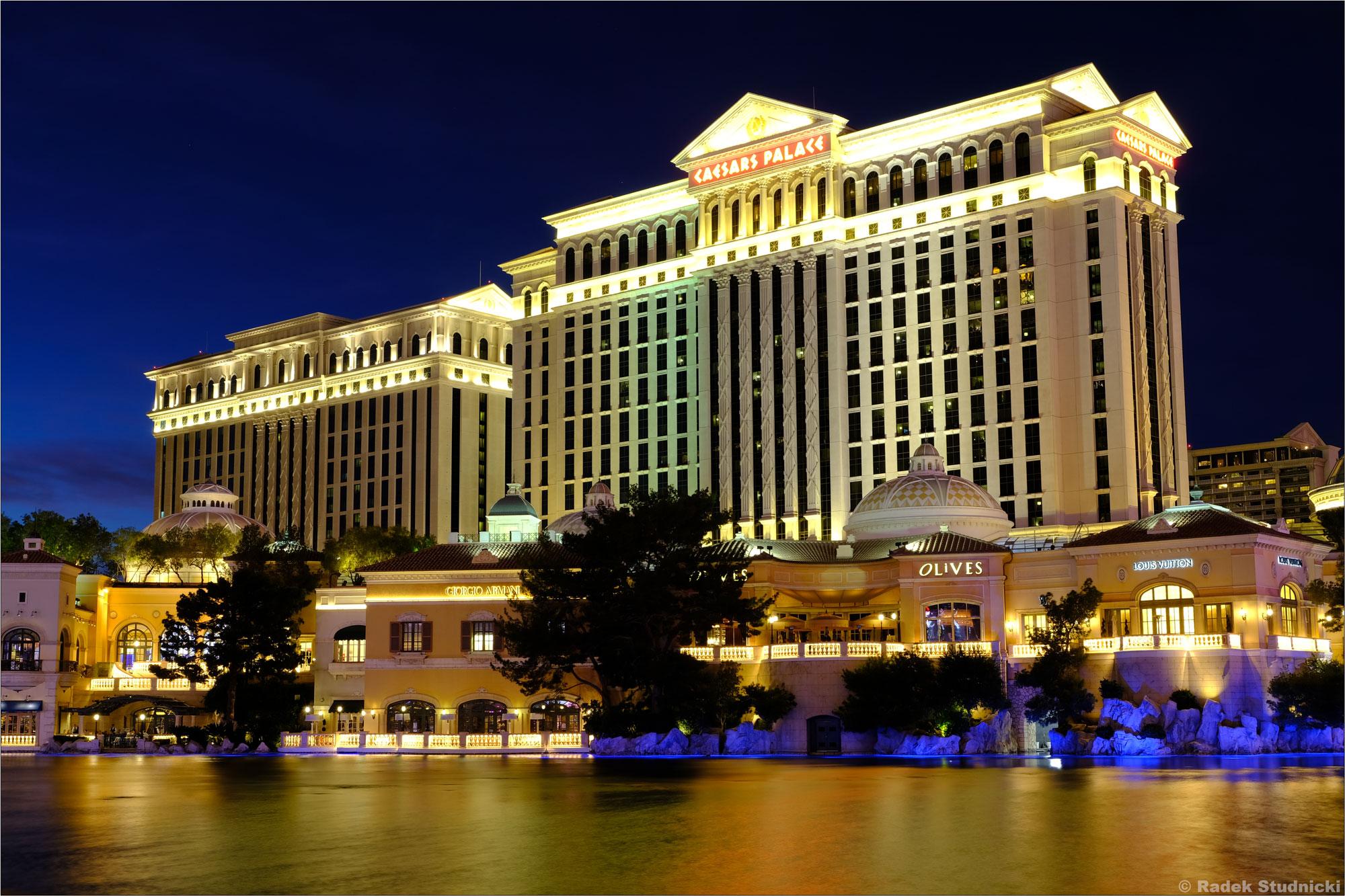 Caesar's Palace nocą